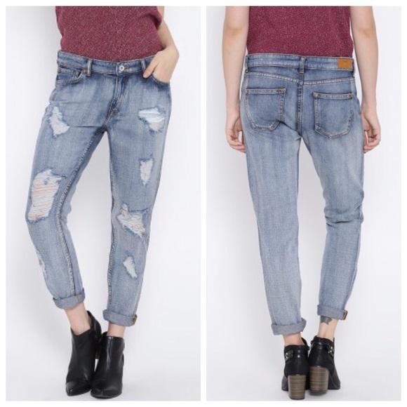 1a690e3722 Mango Nancy Relaxed Crop Boyfriend Jeans Size 4. M 5b991e531b32944a4c21166c